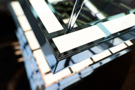 closeup of OLED luminaire by Kardorff Ingenieure Lichtplanung