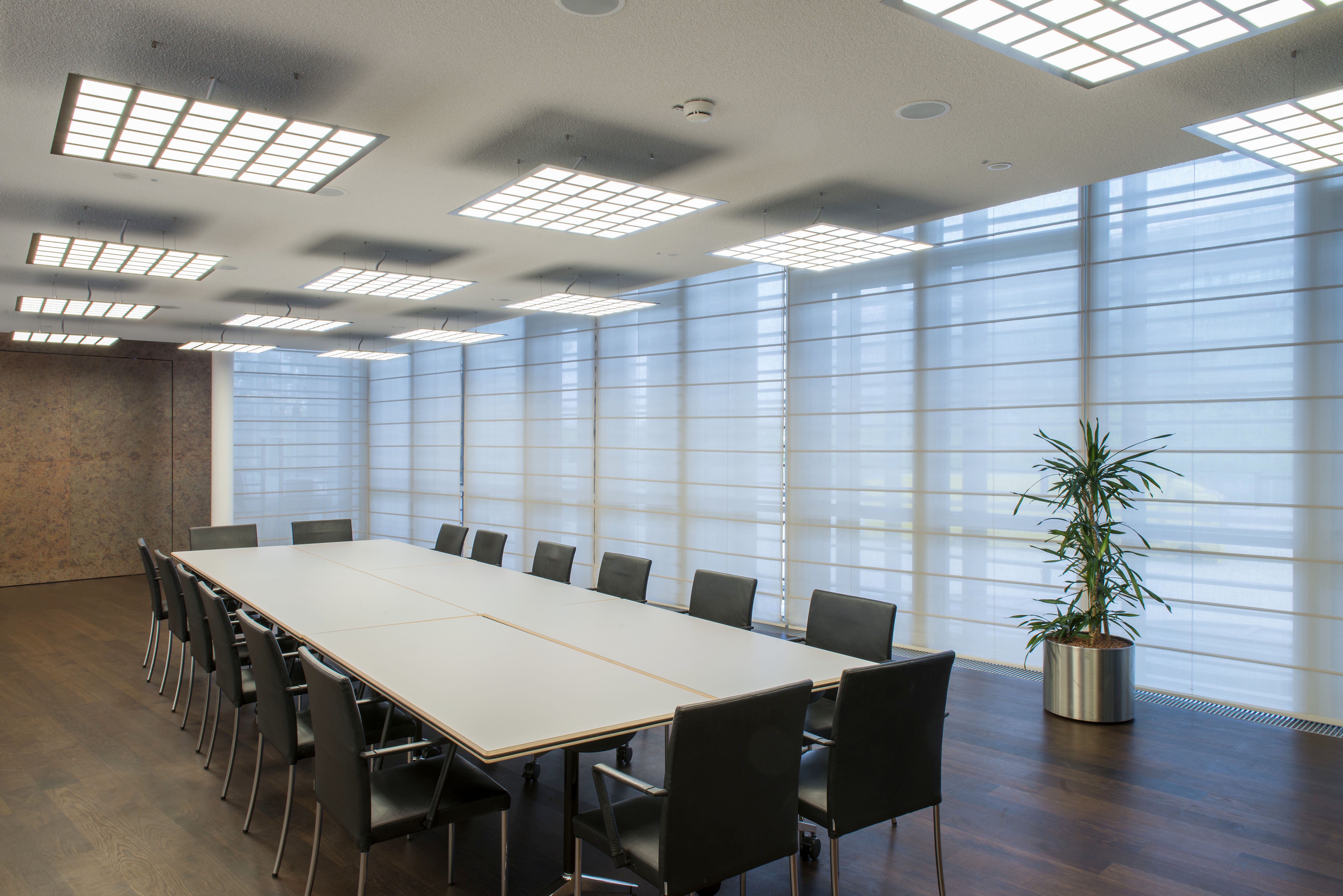 conference room at Audi Forum with OLED luminaires