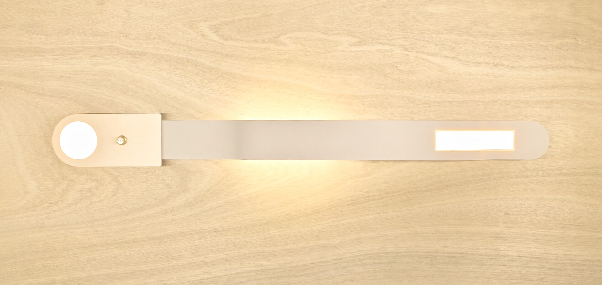 wall mounted OLED fixture Ittan