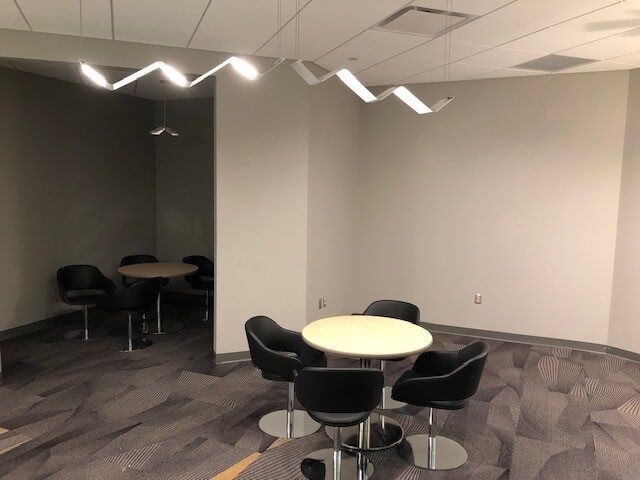 Visa Lighting´s OLED pendant Petal™ at the Rochester airport