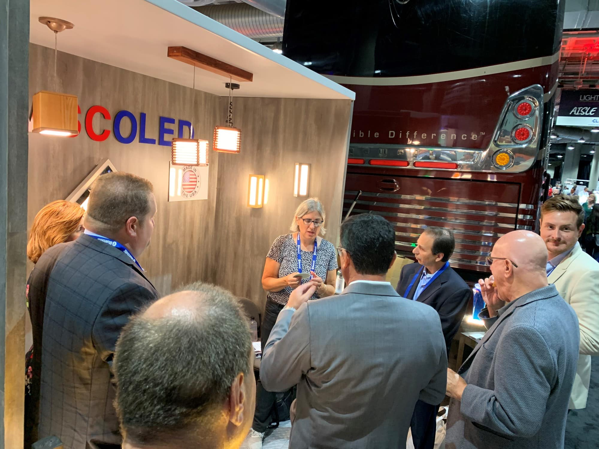 OLEDWorks' Giana talking at Aamsco's LSW 2019 Booth | OLEDWorks