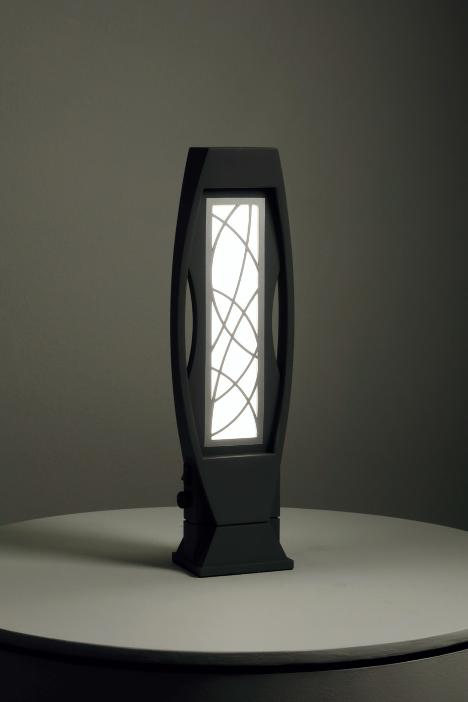 Brutal OLED fixture, Lumenique
